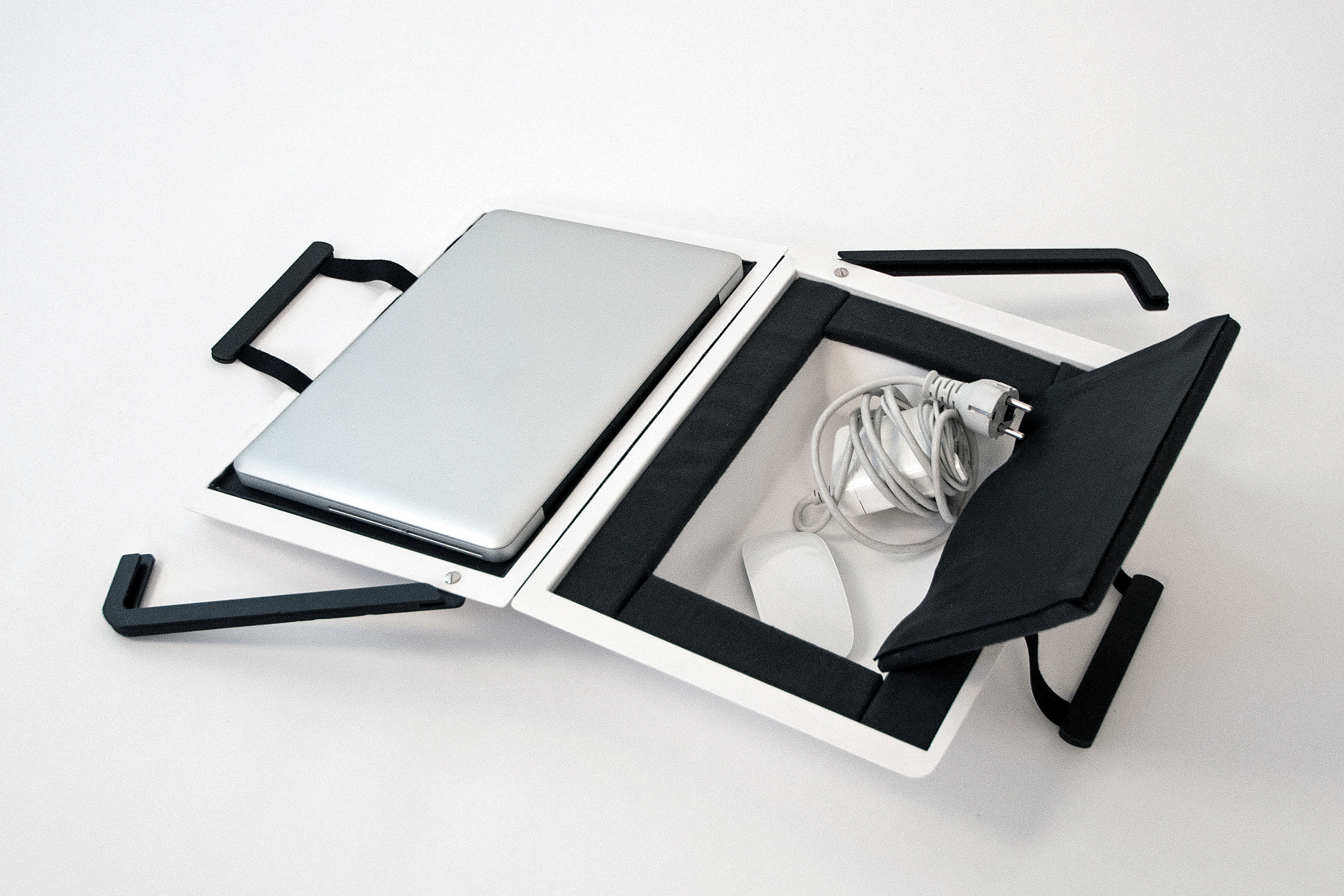 Hardcover Bag – Christian Stein | Photo: Christian Stein