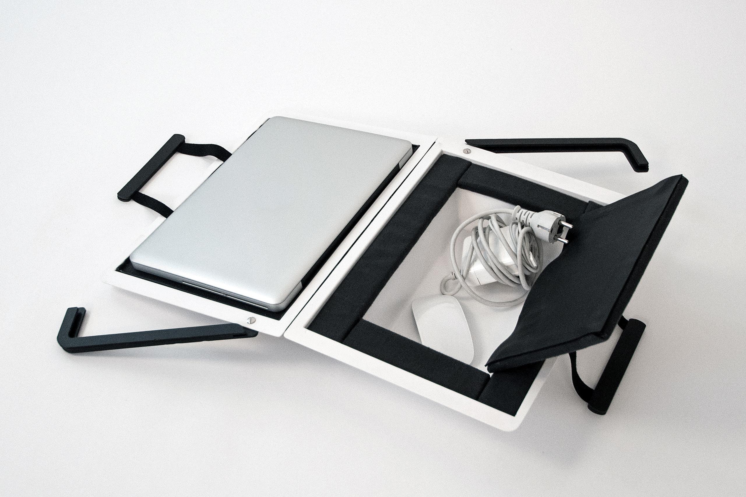 Hardcover Bag – Christian Stein | Photo:Christian Stein