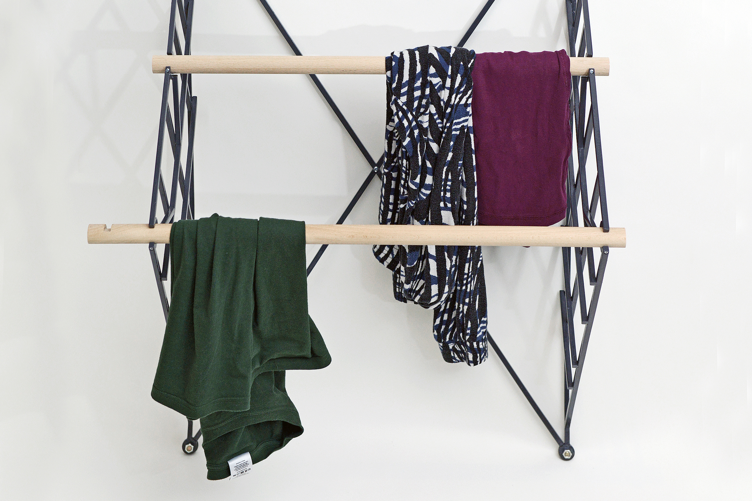Hanging Wardrobe – Anika Bode | Photo: Anika Bode