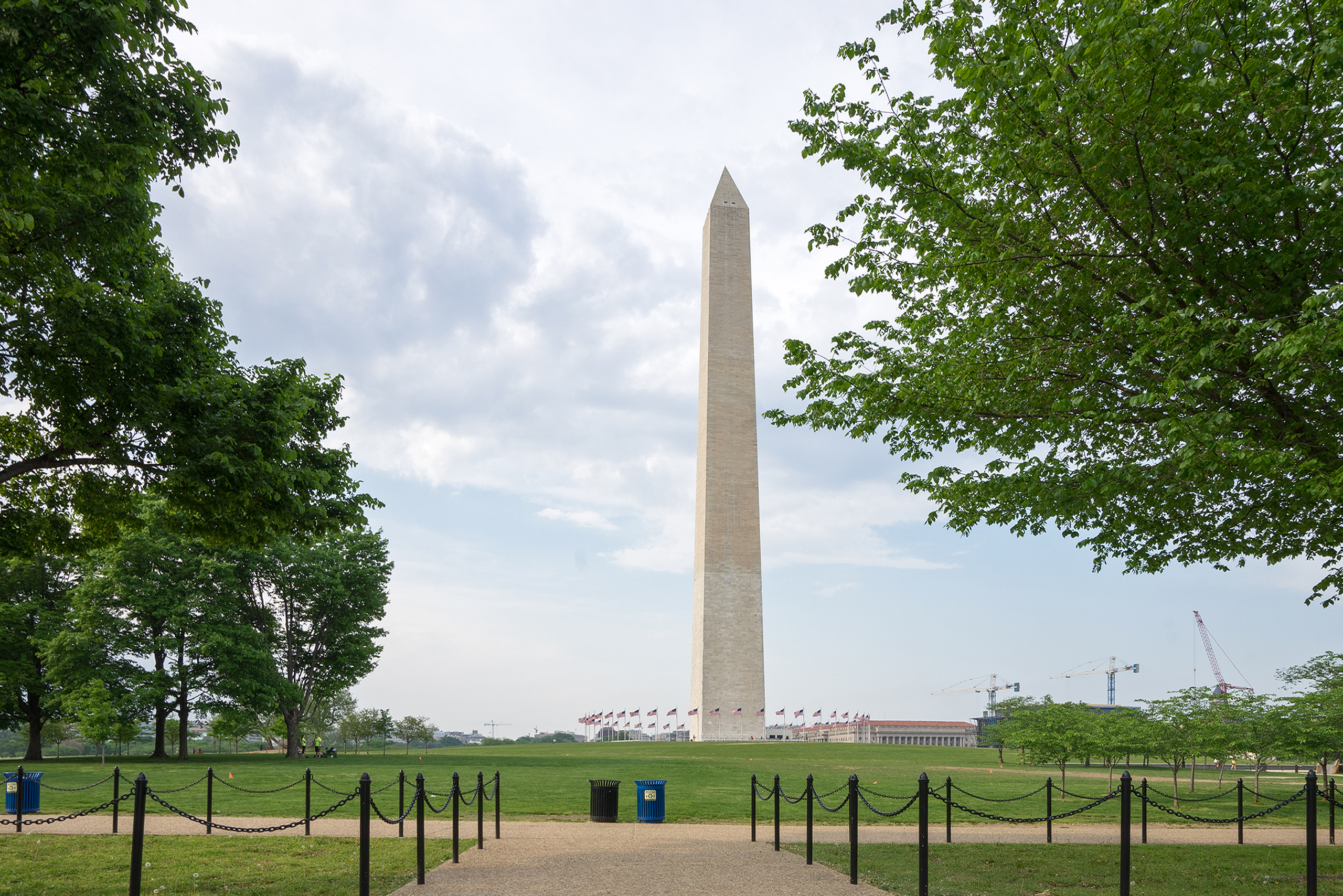The Washington Monument – an archetype of a masculin  obelisk. Obelisk monuments date back to ancient Egypt | Photo: Matthias Ries