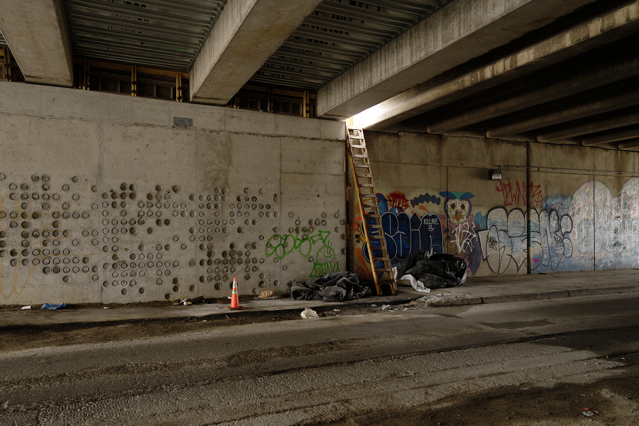 Human access to highway infrastructure; Philadelphia | Photo: Matthias Ries